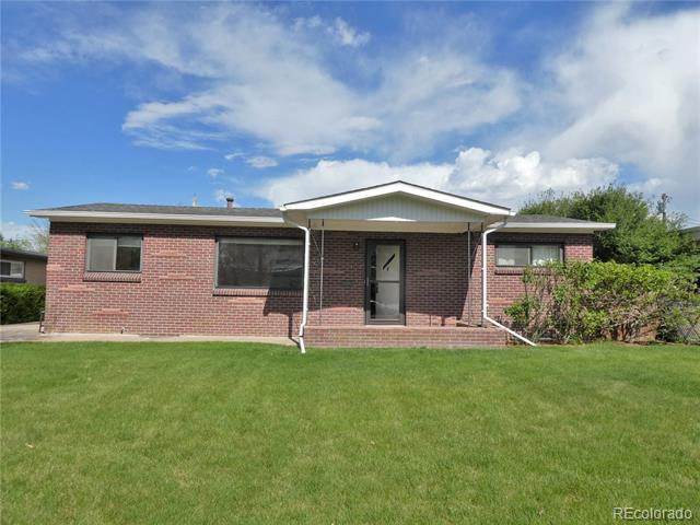 Photo of home for sale at 5370 Greenwood Street South, Littleton CO