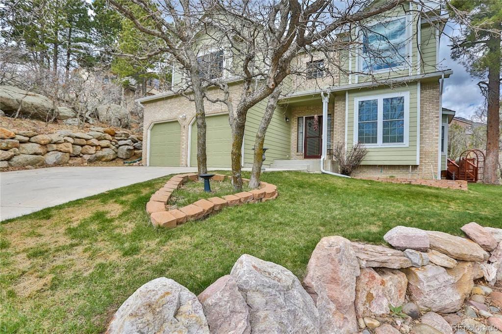 Photo of home for sale at 5 Langley Place, Colorado Springs CO