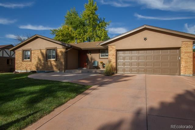 Photo of home for sale at 6323 Depew Court South, Littleton CO