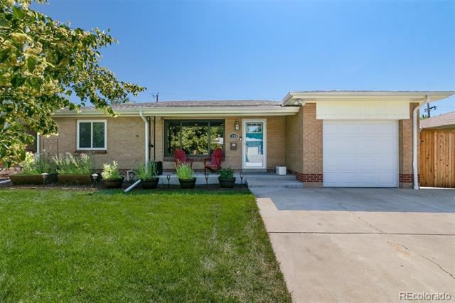 Photo of home for sale at 1380 Harlan Street South, Lakewood CO