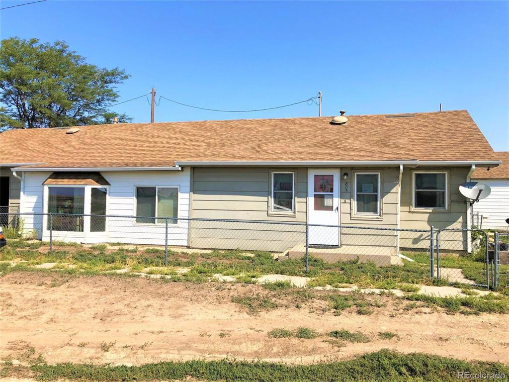 Photo of home for sale at 805 Railroad Street, Arriba CO