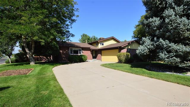 Photo of home for sale at 209 Scranton Street, Aurora CO