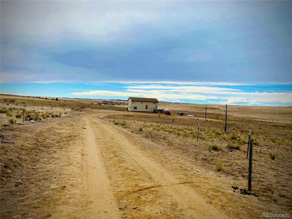 Photo of home for sale at 45295 Cottonwood Lane, Deer Trail CO