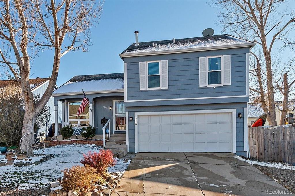 Photo of home for sale at 19710 Dartmouth Avenue E, Aurora CO