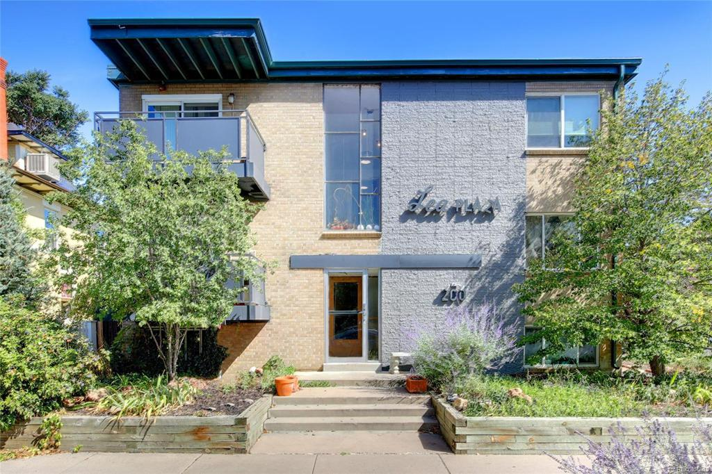 Photo of home for sale at 200 Sherman Street N, Denver CO