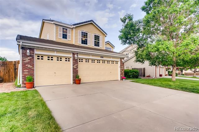 Photo of home for sale at 4880 Kirk Way South, Aurora CO