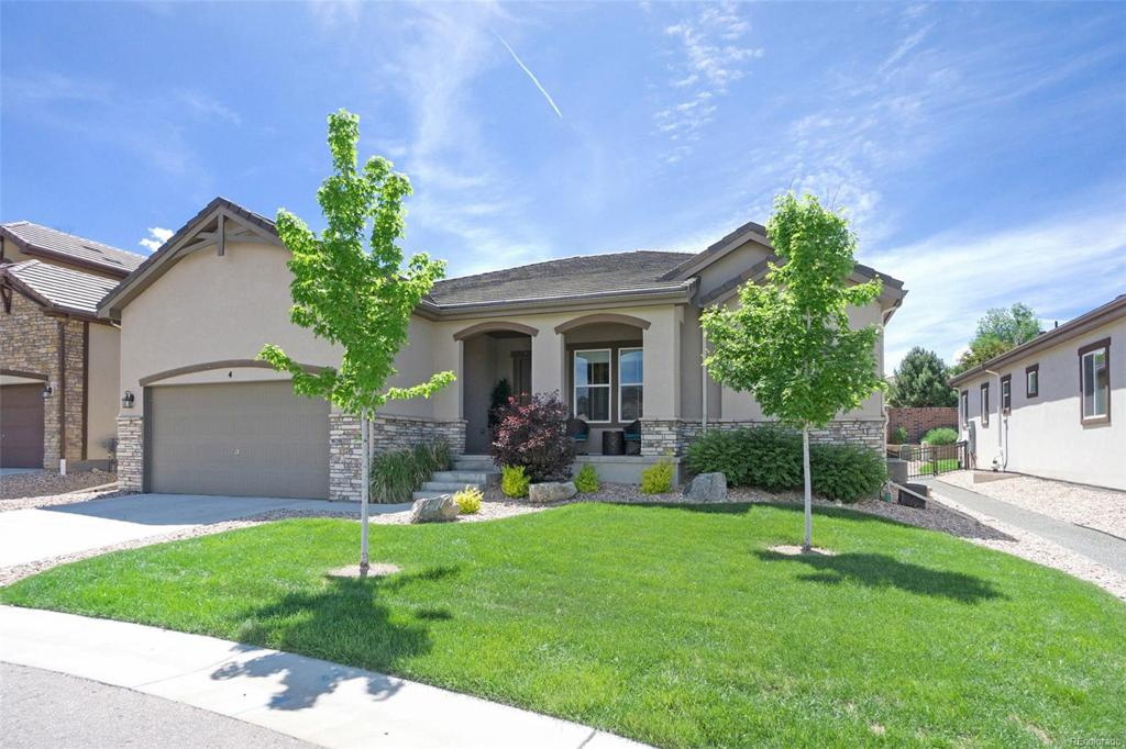 Photo of home for sale at 4 Willowcroft Lane, Littleton CO