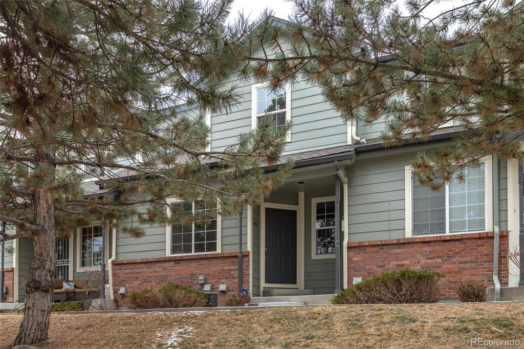 Photo of home for sale at 635 Depew Street S, Lakewood CO