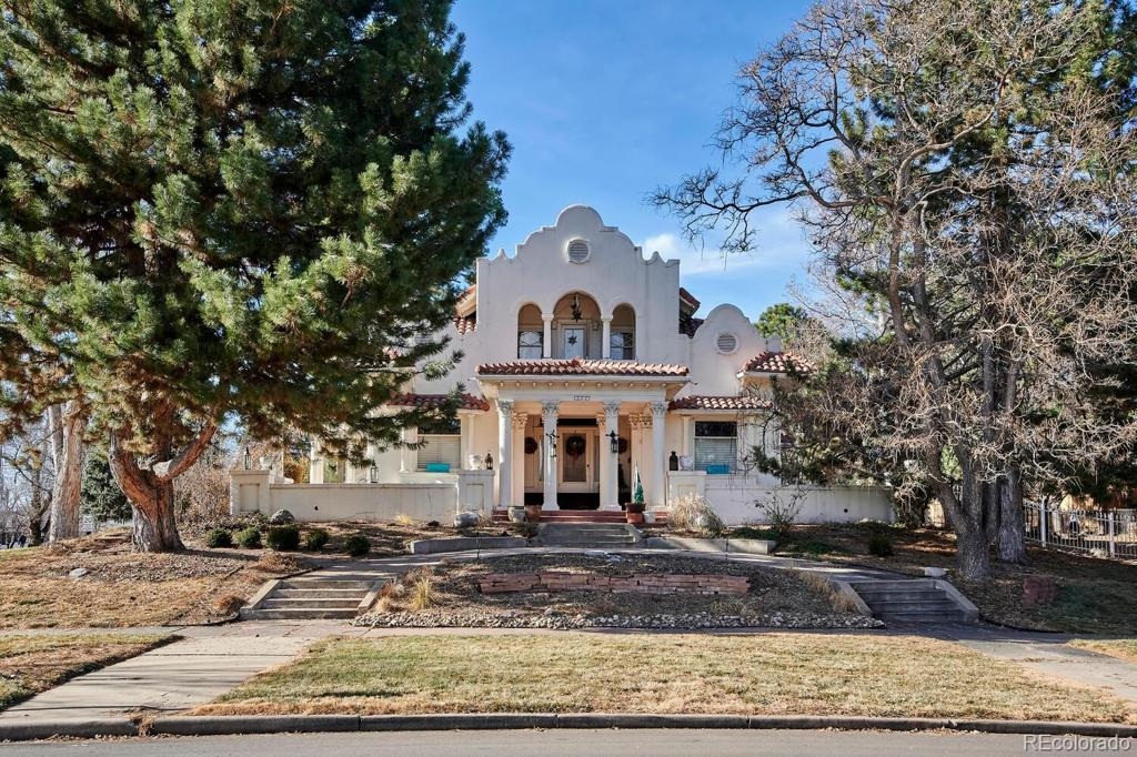 Photo of home for sale at 1101 Oneida Street, Denver CO