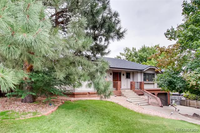 Photo of home for sale at 7048 Ammons Street, Arvada CO