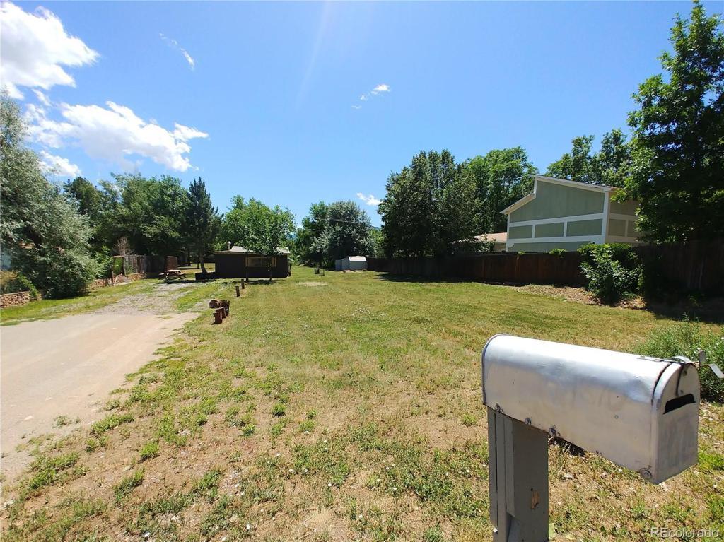 Photo of home for sale at 1870 Violet Avenue, Boulder CO