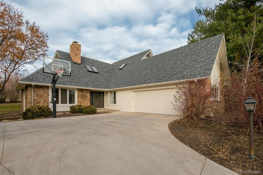 Photo of home for sale at 4227 Bellaire Circle S, Cherry Hills Village CO
