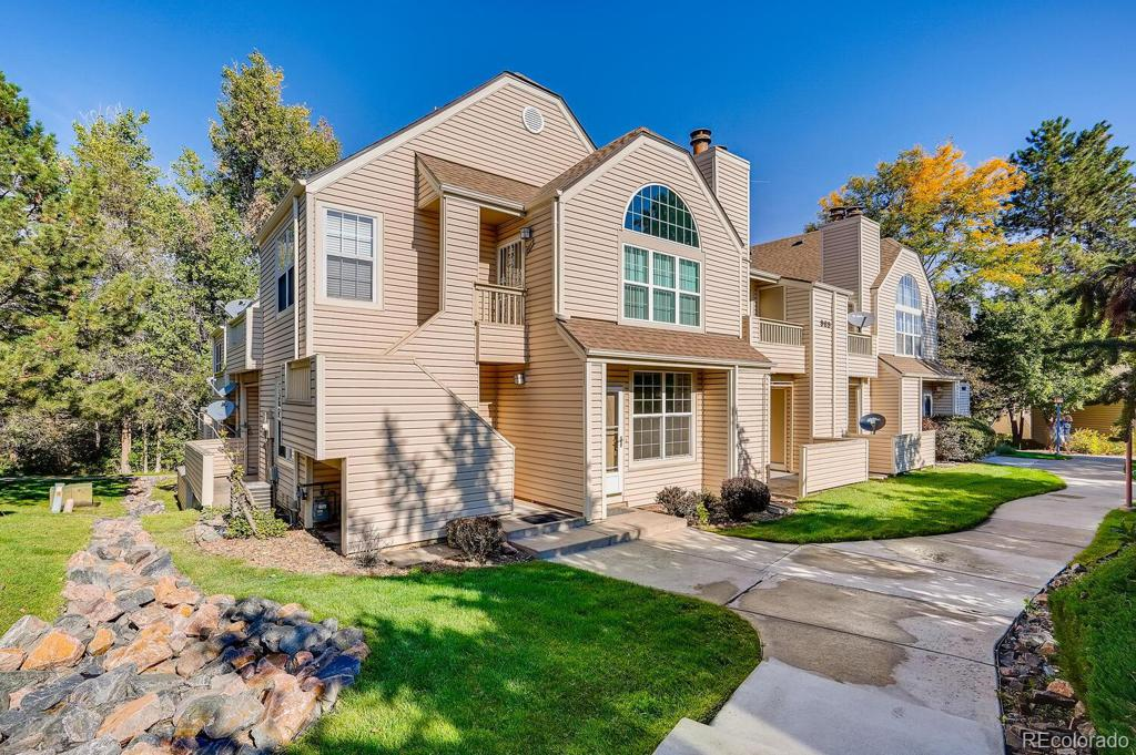 Photo of home for sale at 969 Miller Street S, Lakewood CO