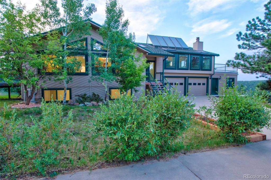 Photo of home for sale at 384 Deer Trail Road, Boulder CO