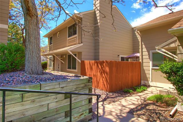Photo of home for sale at 3850 Atchison Way South, Aurora CO