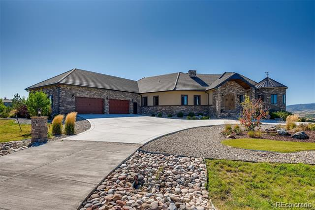 Photo of home for sale at 5731 Aspen Leaf Drive, Littleton CO