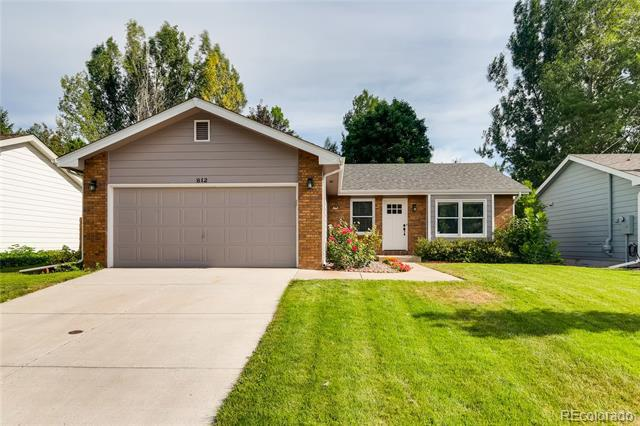 Photo of home for sale at 812 Queens Court, Fort Collins CO
