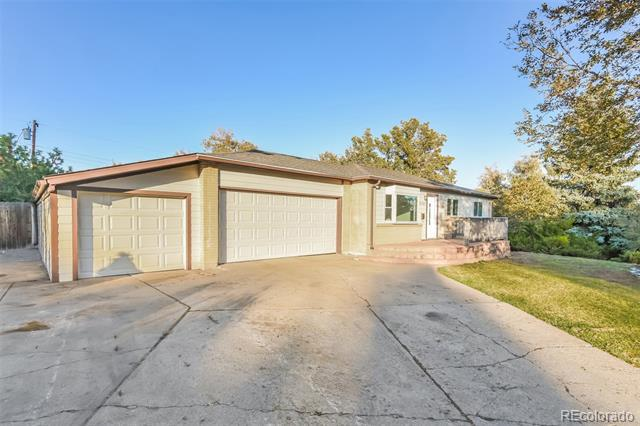 Photo of home for sale at 12507 Mississippi Avenue W, Lakewood CO