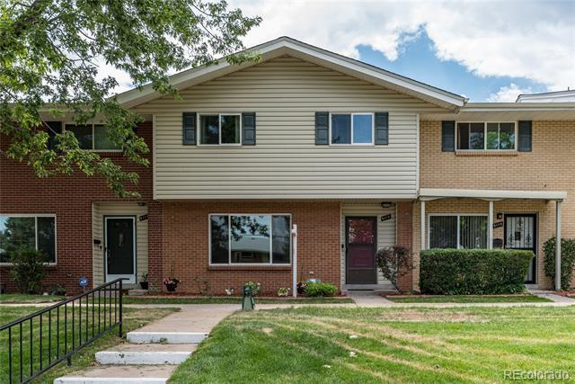 Photo of home for sale at 9112 Mansfield Avenue E, Denver CO