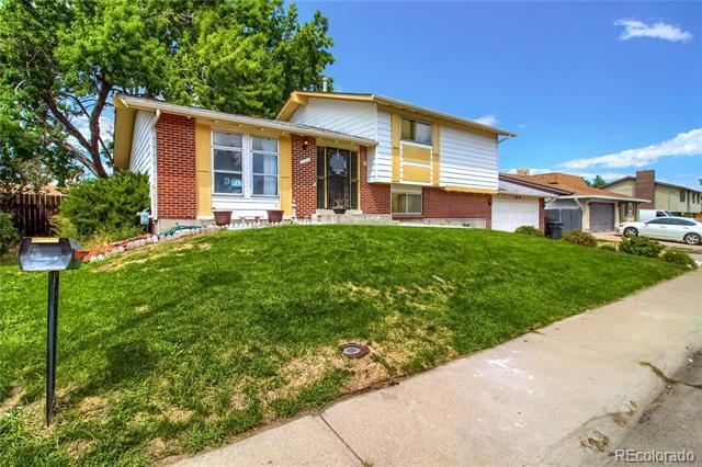 Photo of home for sale at 4941 Xanadu Street, Denver CO