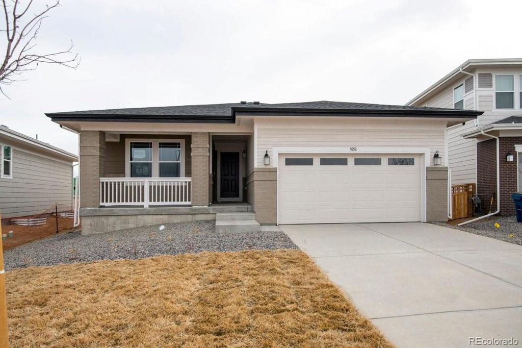Photo of home for sale at 5958 Odessa Street N, Aurora CO