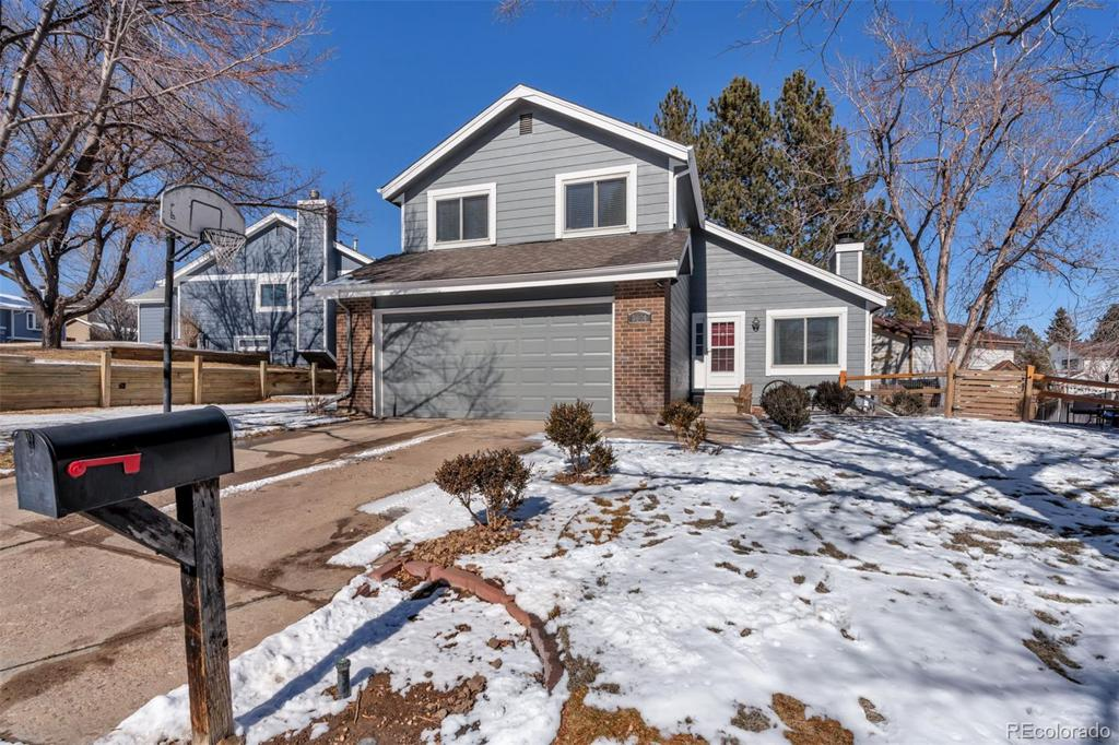 Photo of home for sale at 3644 Richfield Circle S, Aurora CO