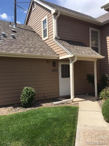 Photo of home for sale at 1969 Xanadu Way South, Aurora CO