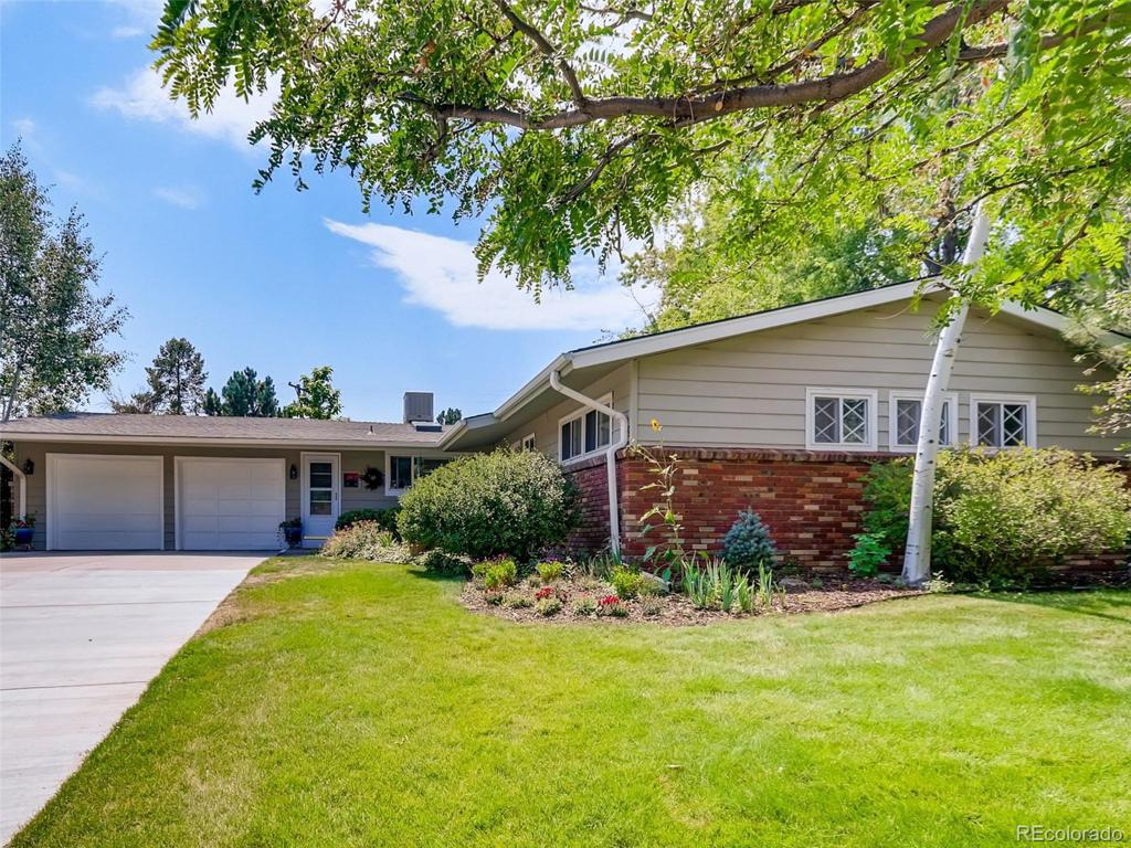 Photo of home for sale at 3684 Elm Way S, Denver CO