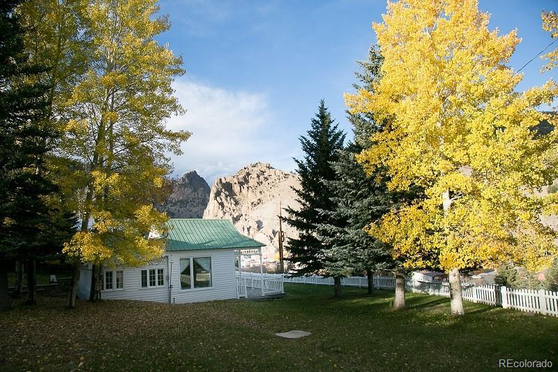 Photo of home for sale at 116 Aspen Avenue S, South Fork CO