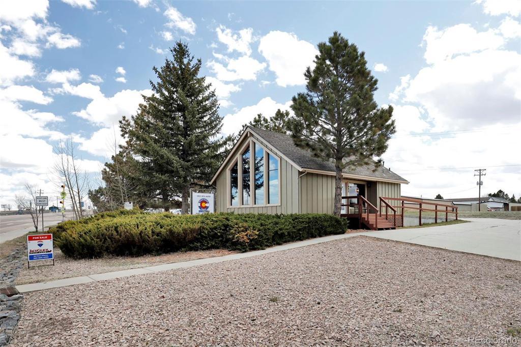 Photo of home for sale at 480 Comanche Street, Kiowa CO