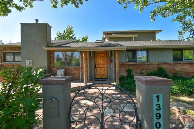 Photo of home for sale at 1390 Fairfield Drive, Boulder CO