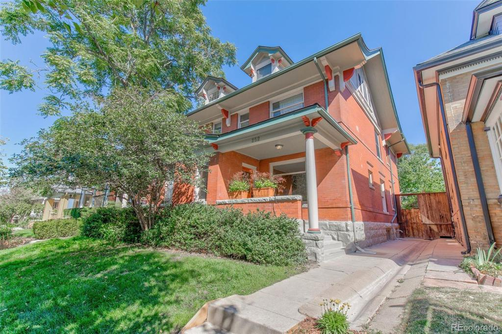 Photo of home for sale at 252 Sherman Street N, Denver CO