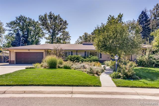 Photo of home for sale at 6544 Alaska Drive E, Denver CO