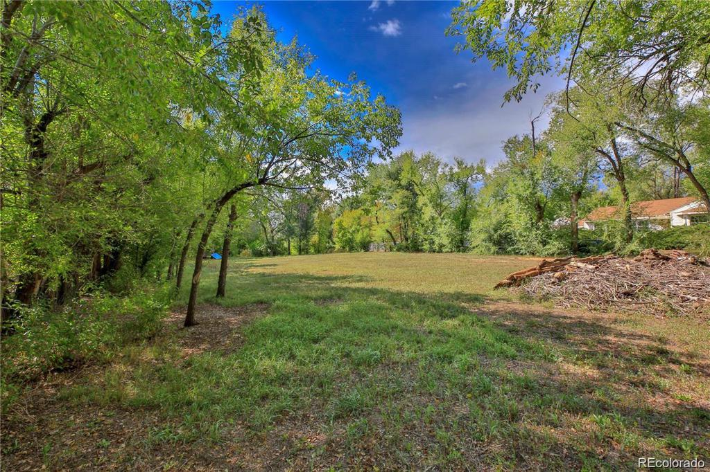Photo of home for sale at 7650 2nd Avenue W, Lakewood CO