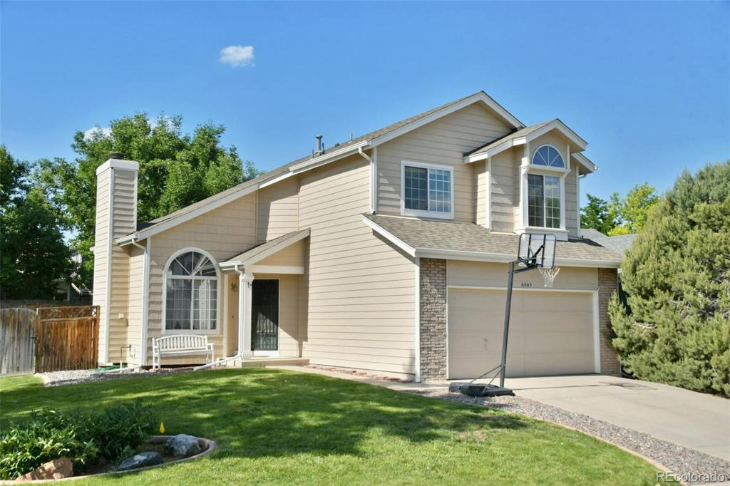 Photo of home for sale at 6543 Mexico Avenue W, Lakewood CO