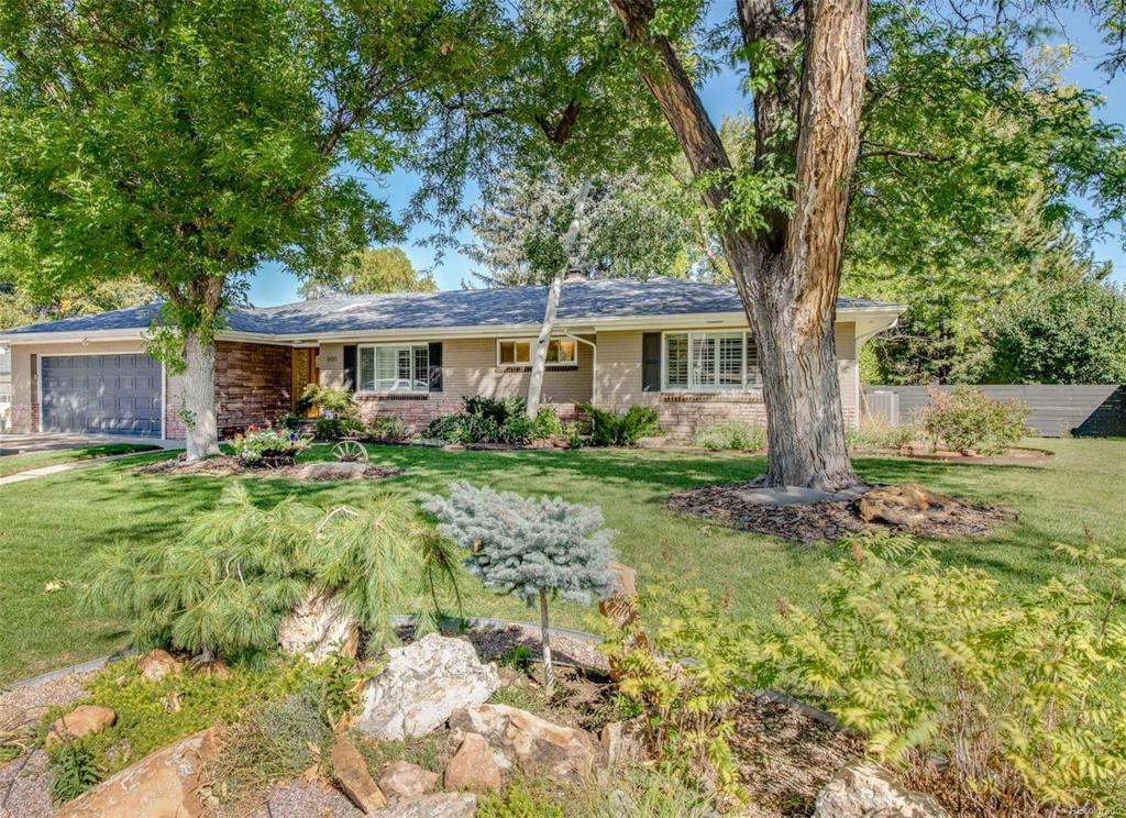 Photo of home for sale at 800 Jackson Street S, Denver CO