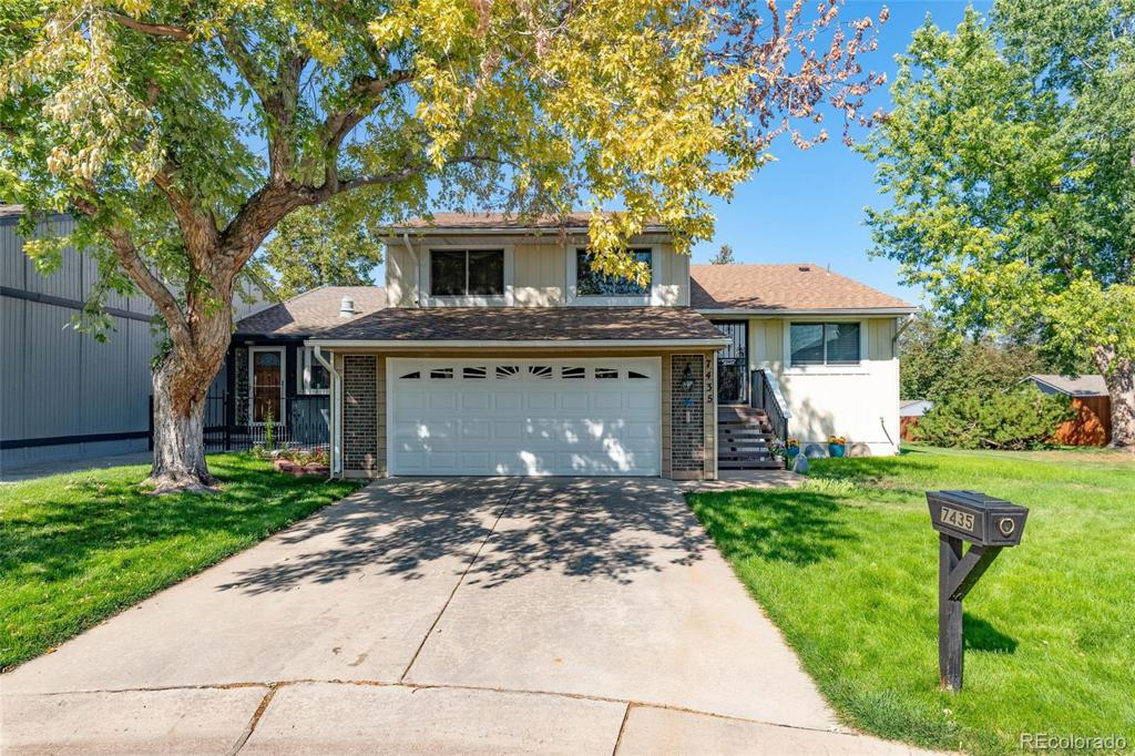 Photo of home for sale at 7435 Maple Drive W, Lakewood CO