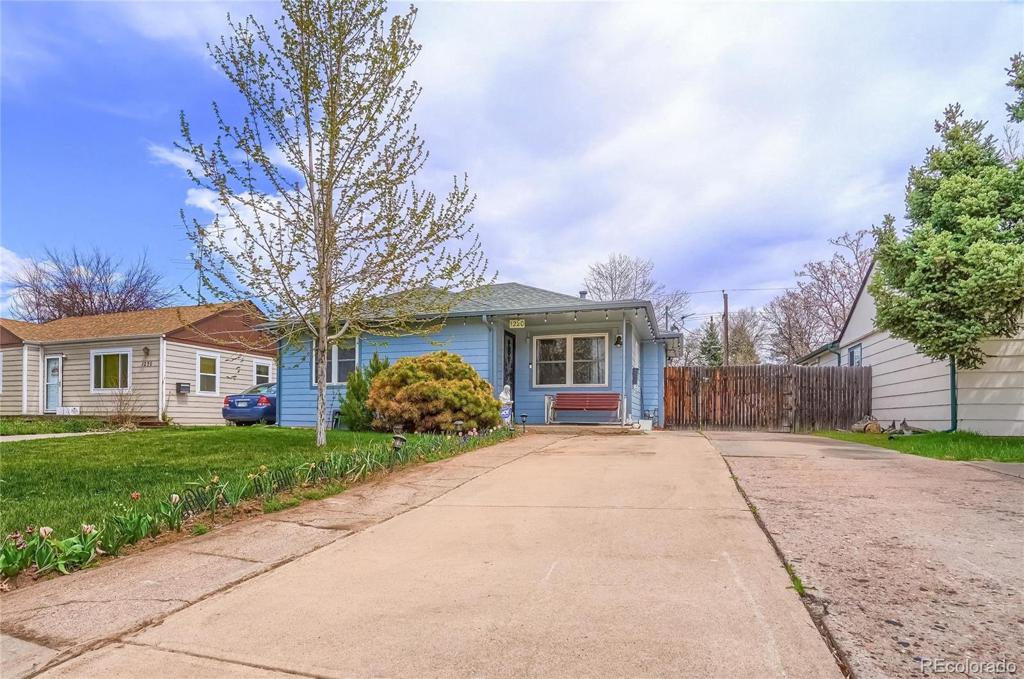Photo of home for sale at 1220 Emporia Street, Aurora CO