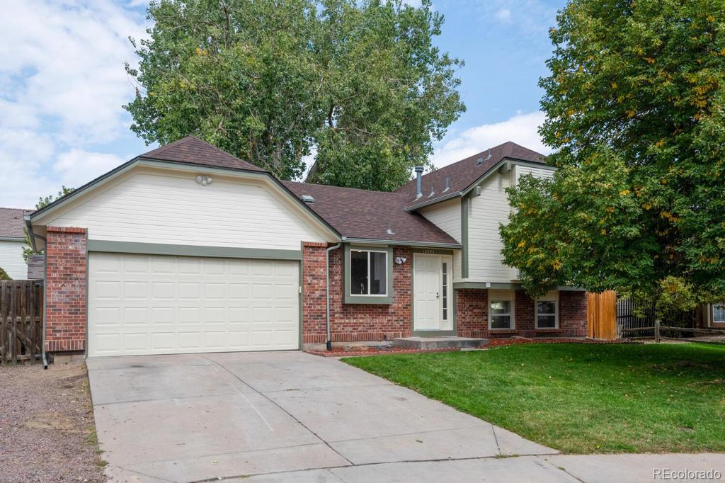 Photo of home for sale at 18995 47th Avenue E, Denver CO