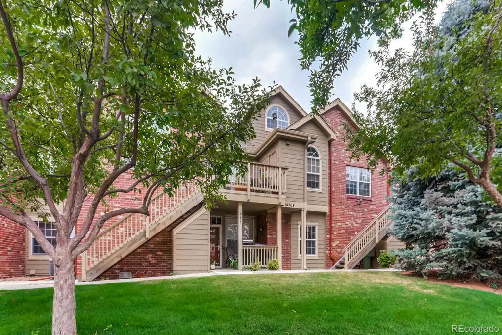 Photo of home for sale at 14308 Whitaker Place E, Aurora CO