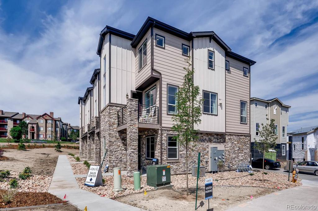 Photo of home for sale at 1546 Castle Creek Circle, Castle Rock CO