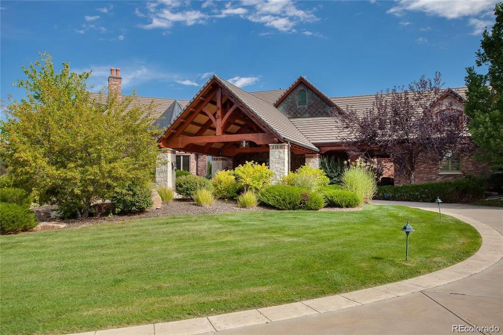 Photo of home for sale at 5800 Colorado Boulevard S, Greenwood Village CO
