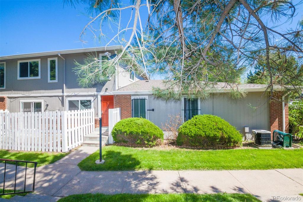 Photo of home for sale at 14514 13th Avenue E, Aurora CO