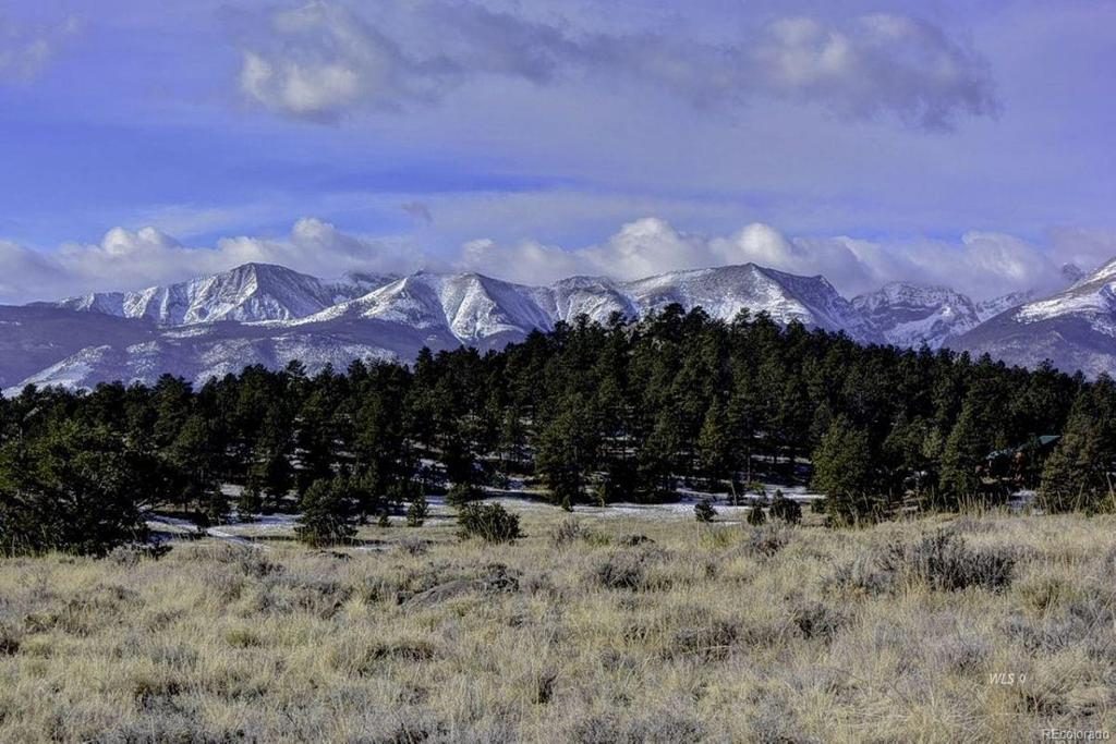 Photo of home for sale at 296 Arapaho Circle, Westcliffe CO