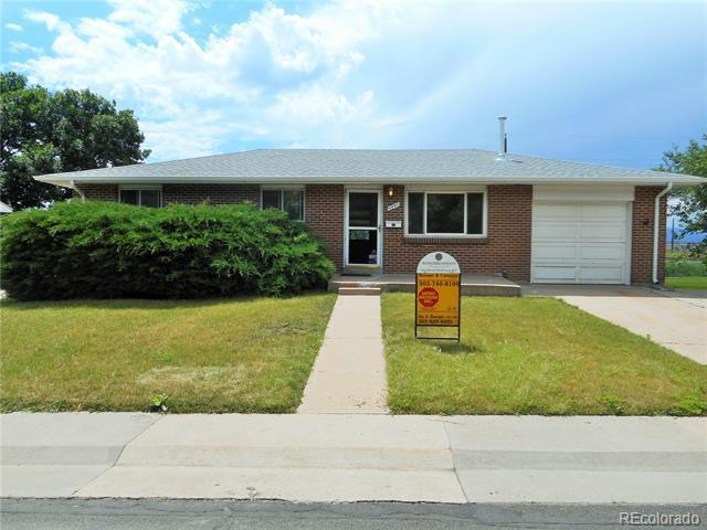 Photo of home for sale at 4841 Lipan Street South, Englewood CO