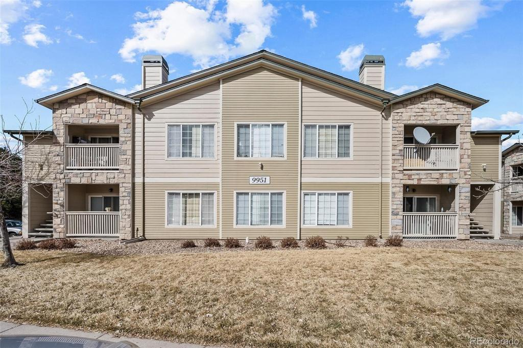 Photo of home for sale at 9951 Idaho Circle E, Aurora CO