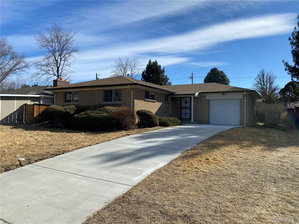 Photo of home for sale at 4980 Jewell Avenue E, Denver CO