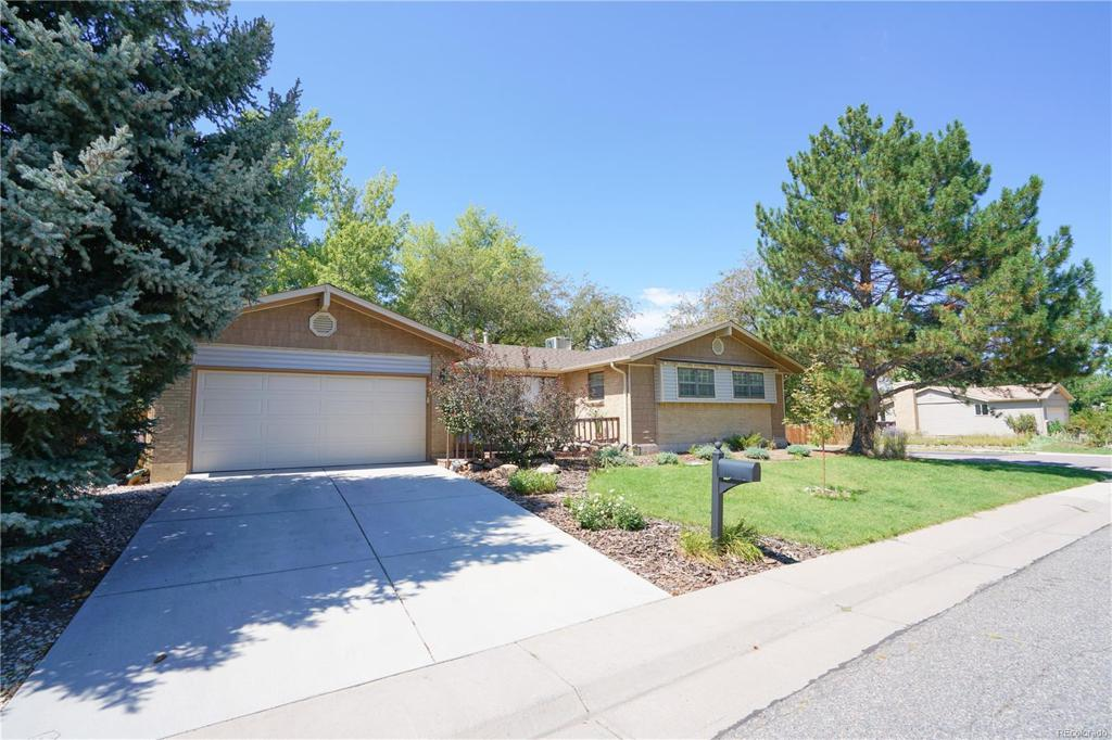 Photo of home for sale at 3049 Dayton Court S, Denver CO