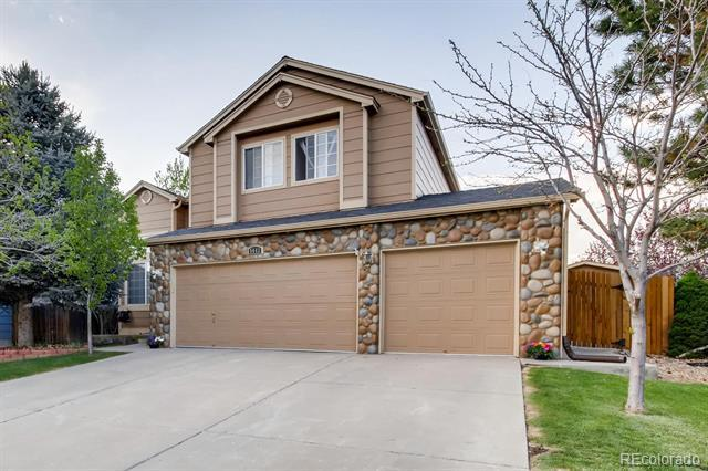 Photo of home for sale at 5443 Winnipeg Street South, Aurora CO