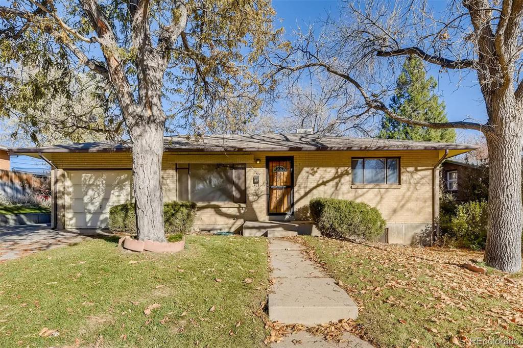 Photo of home for sale at 3220 Mabry Way S, Denver CO